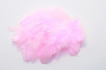Barevná peříčka - světle růžová
