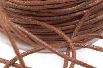 Šňůra bavlněná voskovaná 1,5 mm délka 3 m - světle hnědá