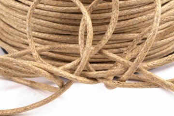 Šňůra bavlněná voskovaná 1,5 mm délka 3 m - cappuccino